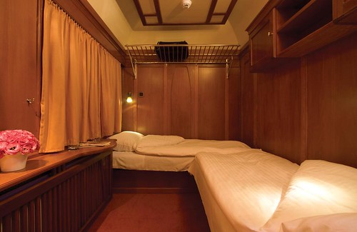 European charter train - premium suite with bathroom, by night
