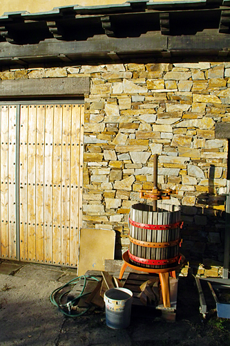 wine-press-spain