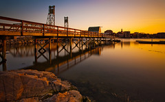 Sunset Over Portsmouth (chris lazzery) Tags: longexposure sunset dock maine newhampshire portsmouth 5d memorialbridge kittery canonef1740mmf4l bw30nd