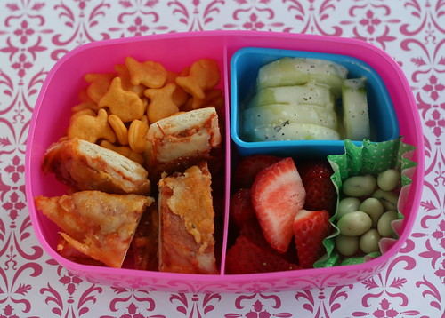 pizza cuke fishie fruit bento