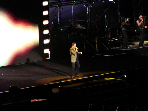 George Michael in concert, Sydney 2010 - 19