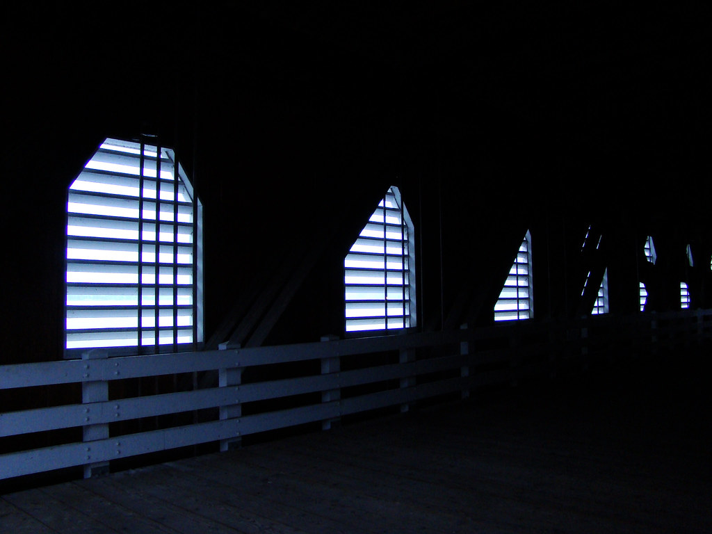 DSC06134 Inside Lowell Covered Bridge