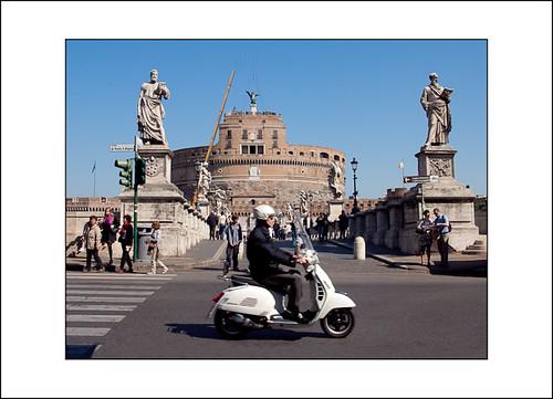 op de scooter door Rome by hans van egdom
