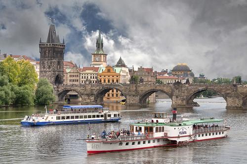 A boat ride on Vltava river / Una gita sulla Moldava by Fil.ippo