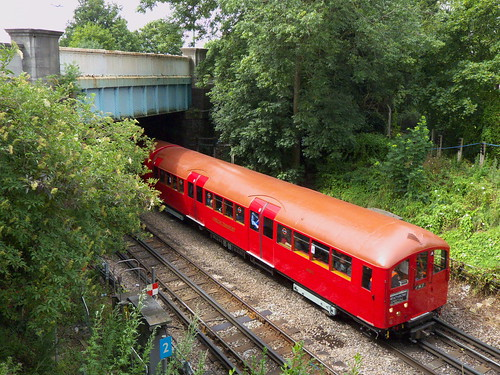 1938 stock approaches to Osterley