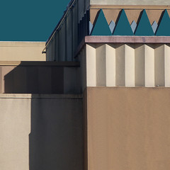 (msdonnalee) Tags: deco architecturaldetail shadow