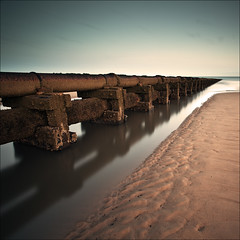 Cambois Outfall (Reed Ingram Weir) Tags: longexposure sunset sea pipe lee outfall cambois gnd 09h canon5dmk2 reedingramweir
