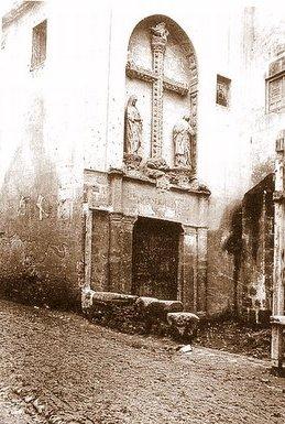 Puerta del Pelícano del Monasterio de San Juan de los Reyes a inicios del siglo XX