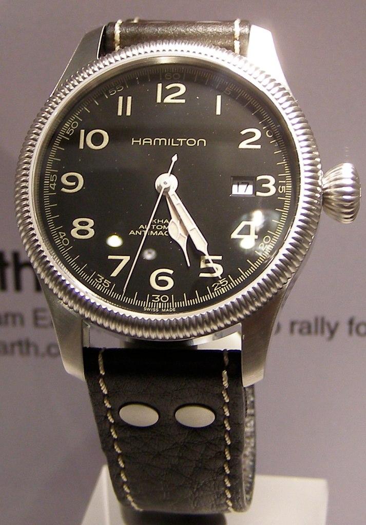 Feu des plus belles montres à lunettes guillochées 4450792903_35325c432b_o