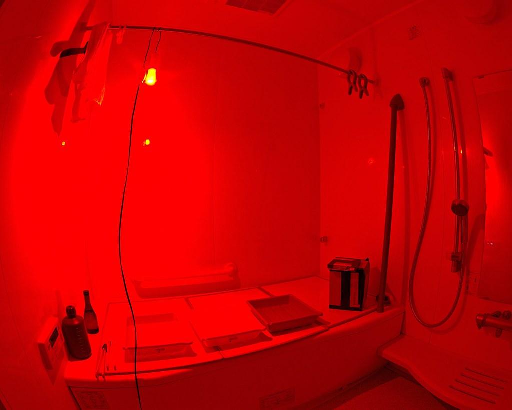 Darkroom ... & Janne In Osaka: Pinhole Camera II: The Daa-a-a-ark Room