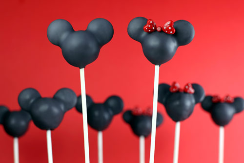 Mickey Mouse Cake Pops Tutorial 4494822485 c690f283e9 o jpg