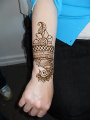Ilene's Party April 18 (blurberrybuzz) Tags: minnesota minneapolis craft henna mehendi hina mehndi heena mehandi victoriawelch blurberrybuzz wwwblurberrybuzzcom