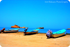 Omani Fishing Boats (Immi Balusa) Tags: blue beach boat oman