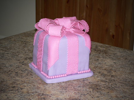 birthday gift cake fondant bow