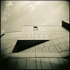 01221 (Hr. Thomas) Tags: bw 6x6 film sepia architecture analog mediumformat square store holga iron fuji squares toycamera warehouse departmentstore squareformat architektur sw analogue fassade acros toner vario mt3 cfn mittelformat schwarzweis sulphide moersch mt7 acade moerschmzb blautoner schwefeltoner