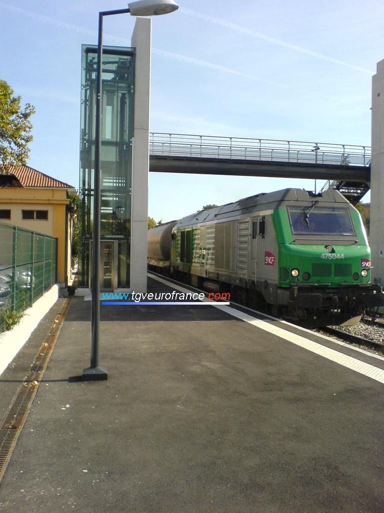 La BB 75044 en livrée FRET SNCF récemment  mutée de Longueau à Avignon