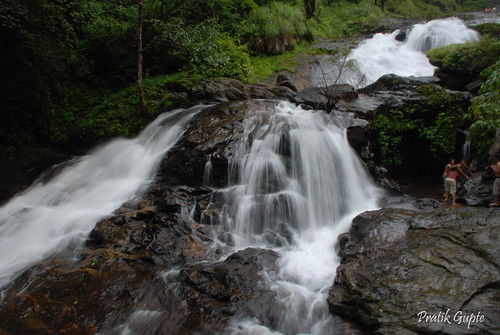 ~~ Iruppu Falls in Full Glory ~~ by randomsurfer:प्रतीक.
