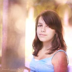 Julia... (f. prestes) Tags: light portrait texture textura girl 50mm julia song retrato naturallight f18 menina música thirteen thebeatles canção canon500d luznatural