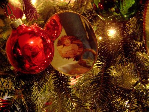 091208 Mirrored ornament01