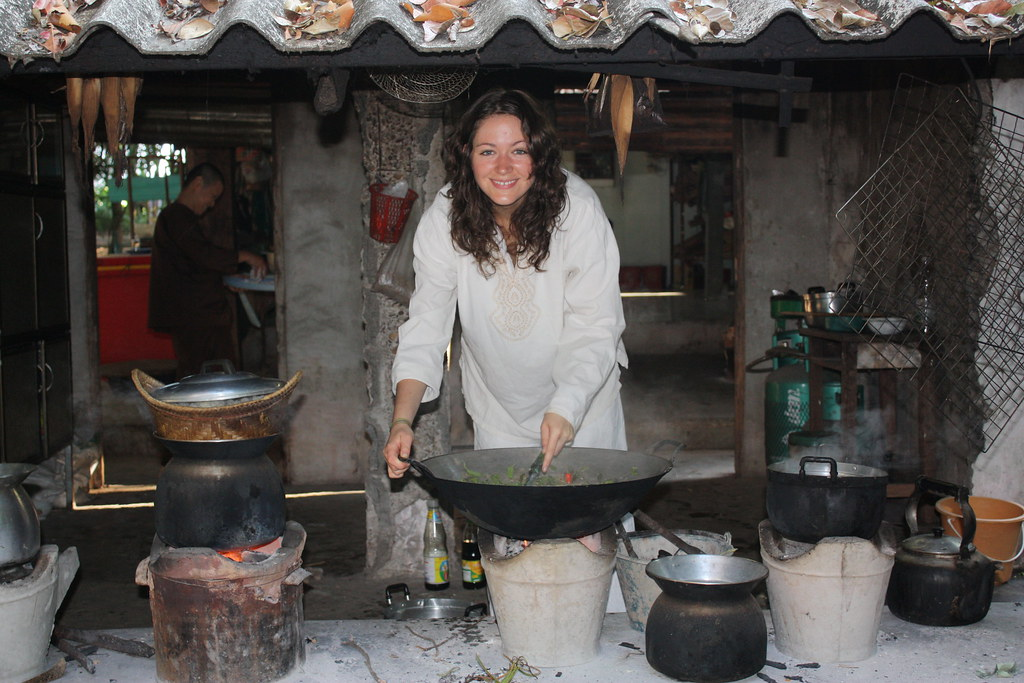 Kelly receiving some Experience in Thai cooking