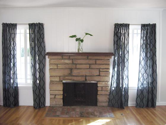 living-room-fireplace-mantel