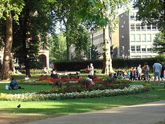 London's Russell Square (by: jah_maya, creative commons license)