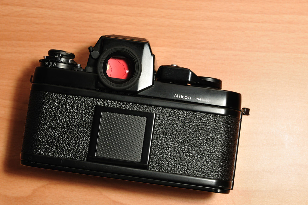 Nikon F3 HP_back