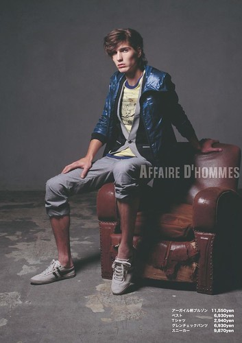 Roman Duvigneau0012_AFFAIRE D'HOMMES SS2010 Catalog