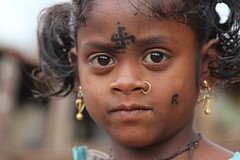 Siribedna (ronniedankelman) Tags: travel portrait india girl face tattoo canon gold asia swastika nosering tribe portret orissa meisje stam azie reizen goud gezicht rdp tatoeage  satyamevajayate  gaarjya odisha bhrat neusring bhrata  dhuruva bhratagaarjya  bhratiya siribedna