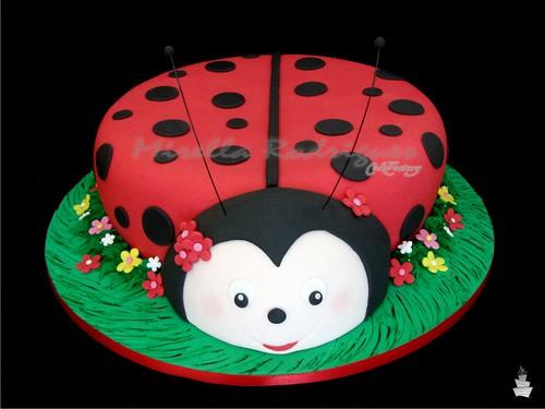 Bolo decorado Joaninha / Ladybug cake