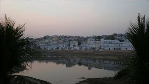 Ghats surrounding Pushkar Lake