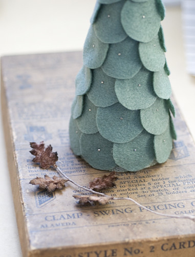 felt shingle tree / janice's valise