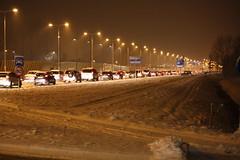 File N201 (Chris Bakker) Tags: party snow trafficlights traffic sneeuw file ring nights claus centrum trafficjam hoofddorp 1001 snelweg n201 kruisweg ringweg stoplichten