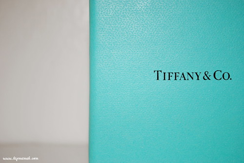 yes it could be the ultimate association there is nothing better than a gift in a blue box but i really just love this color - Tiffany And Co Color Code