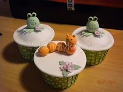 Wharmes & Frogs cupcakes (Niki SG) Tags: art cakes cookies cupcakes sugar baptism sugarpaste γλυκα βαφτιση χειροποιητα κεκακια sketiglyka κερασματα