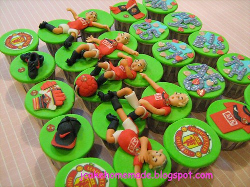 Manchester United Theme Cupcakes (2)