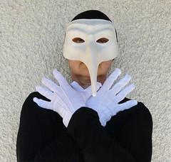 Autoportrait au masque de la Commedia dell'arte (Marie-Hélène Cingal) Tags: selfportrait france southwest mask autoportrait 40 masque landes sudouest aquitaine autoritrato cagnotte paysdorthe
