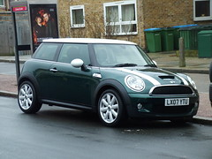 New Mini Cooper S (kenjonbro) Tags: white green stripe mini s cooper minicoopers hatchback newmini 3door