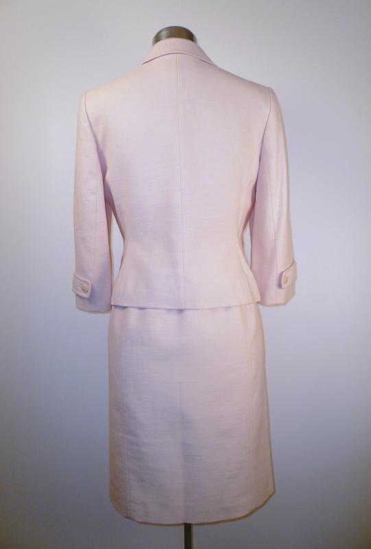 pink_LOFT_suit_back