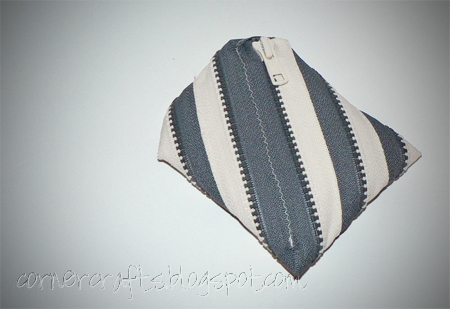 two color zipper coin purse