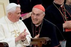 Cardinale Bertone e Papa Ratzinger