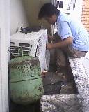 Vệ sinh máy lạnh + Kiểm tra gas + châm gas = 100.000đồng - 4