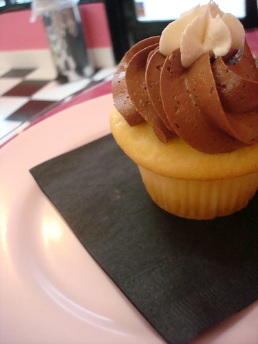 Boston Cream Pie cupcake, New York Cupcakes, Bellevue
