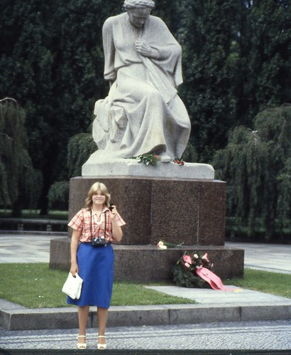 Treptower Park, East Berlin 1980 - Russian War Memorial #2