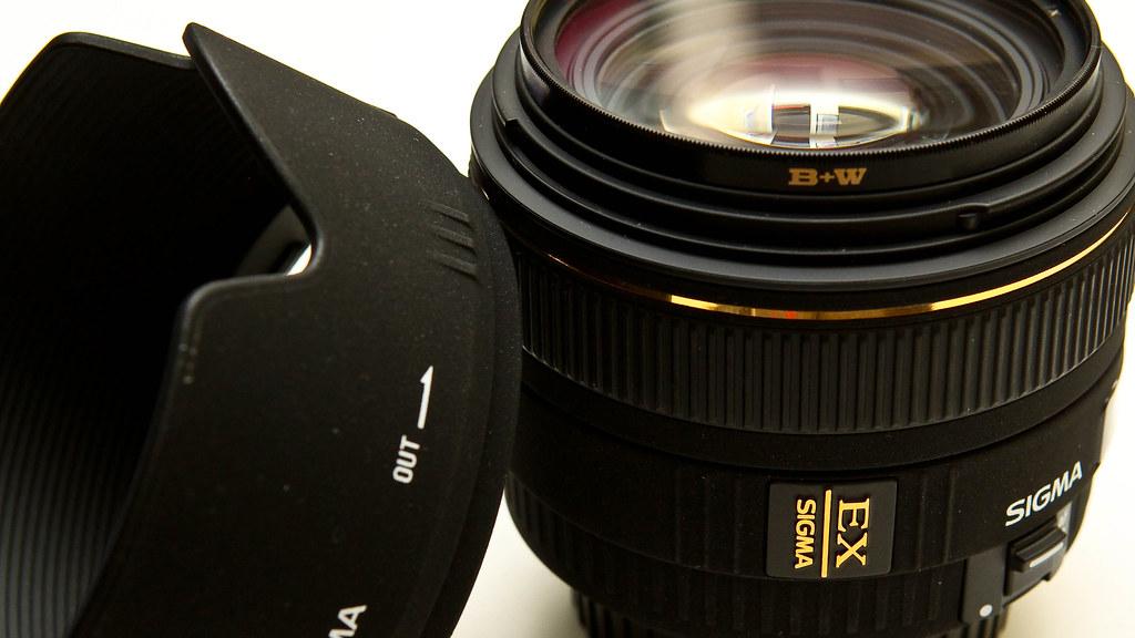 Sigma 30mm EX DC f/1.4 HSM