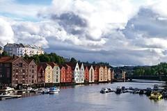Trondheim: Old Storehouses and Nidelva River (Lucio José Martínez González) Tags: travel viaje rio norway river geotagged norge noruega trondheim nidelva almacenes storehouses bej abigfave luciojosémartínezgonzález luciojosemartinezgonzalez geo:lat=634327430000073 geo:lon=104049232222305