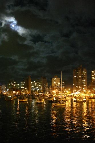 "Punta del Este harbor at night | <a href=""http://www.flickr.com/photos/59207482@N07/4149141310"">View at Flickr</a>"