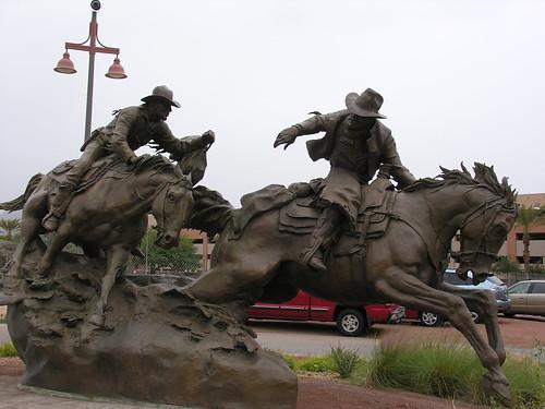 Statue commemorating Hashknife Pony Express riders