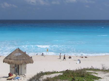 Beach along the hotel strip in Cancun