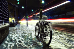 Ha iniziato a nevicare (theBetaRem) Tags: snow bike night lights nikon neve bologna 2009 nevicata d80 bolognangolob limagecolor travelsofhomerodyssey francescasaracauli